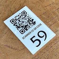 Numéro de table + QR code - 6 x 4 cm