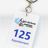 Porte clé rectangulaire pour camping - 6 x 4,5 cm